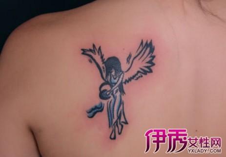 所以水瓶座是一个忧伤的神灵,这款纹身,其中女子描述的就是与王子伊