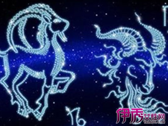 【魔蝎女生最配男生】【图】魔蝎女生最配天秤座星座爱玩手机图片