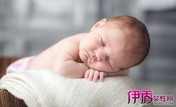 婴儿睡觉惊厥症状有哪些 八大症状妈妈需注意
