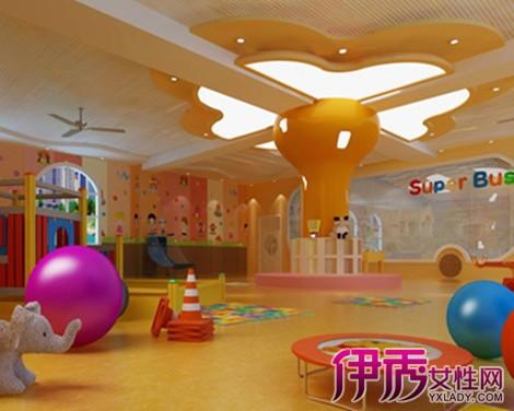 【幼儿园新年门口装饰】【图】欣赏幼儿园新年门口