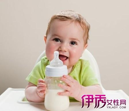 【婴儿咳嗽吐奶怎么回事】【图】婴儿咳嗽吐奶