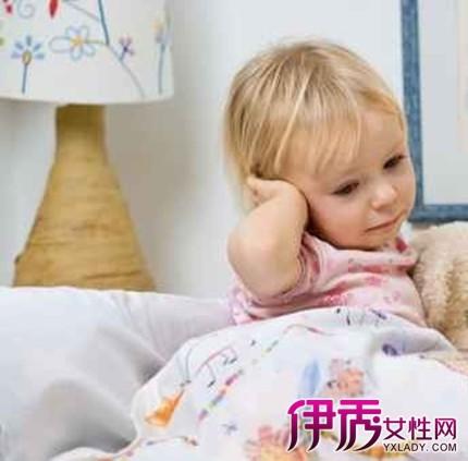 孩子的小耳朵疼是怎么回事 你知道怎么做吗