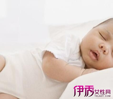 宝宝睡觉惊厥正常吗 八大症状妈妈需注意