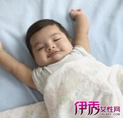 【1岁宝宝呕吐发烧怎么办】【图】1岁宝宝呕