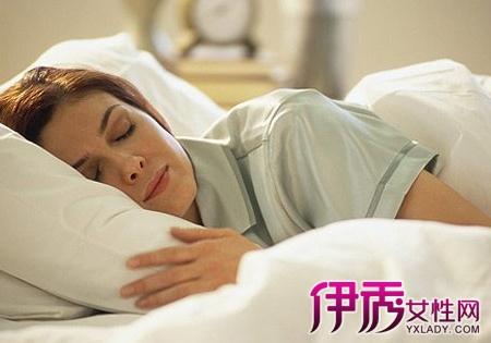 人体生物钟受昼夜交替的影响