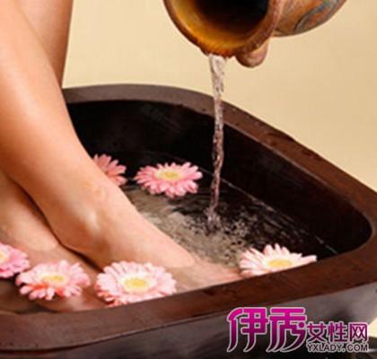 【女性经期能泡脚吗】【图】揭秘女性经期能泡脚吗