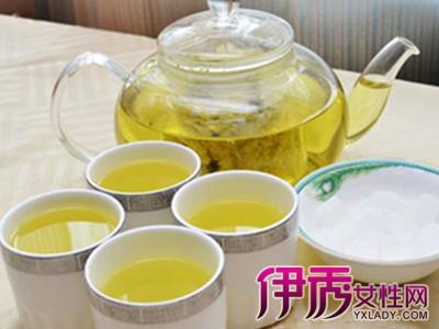 喝菊花茶放冰糖好_脾胃虚寒最好少喝菊花茶患有糖尿病的人慎加