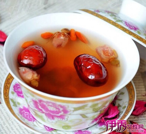 【生姜枸杞生姜水的红枣】【图】作用枸杞红枣烤猪五花肉串图片