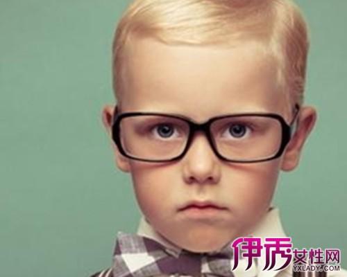 戴隐形眼镜眼睛红